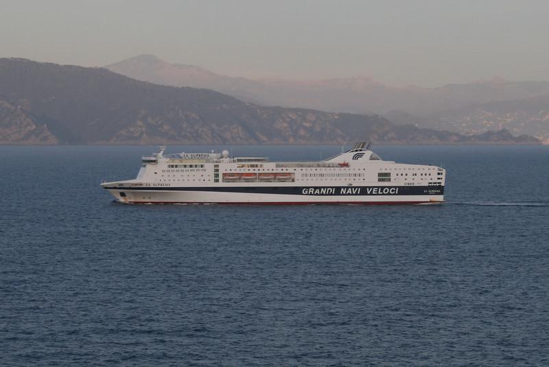 2009 - F/B LA SUPREMA on route to Genova.