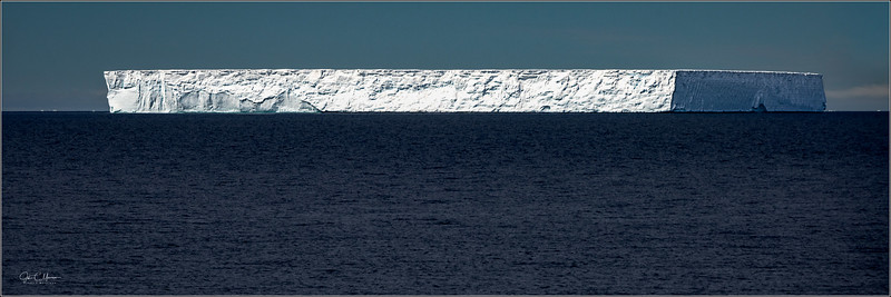 JZ7_9470 Table Top Iceberg Pano LPr5W.jpg