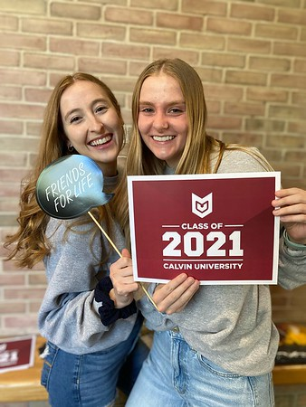 2021 - Cap and Gown Pick Up
