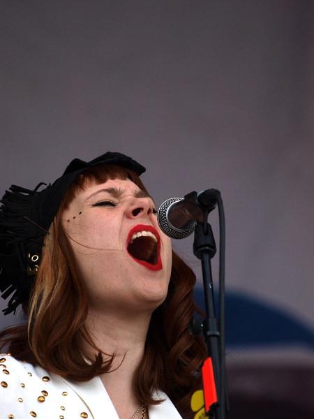 Kate Nash Bevrijdingsfestival Groningen 05-05-11 (8) .jpg