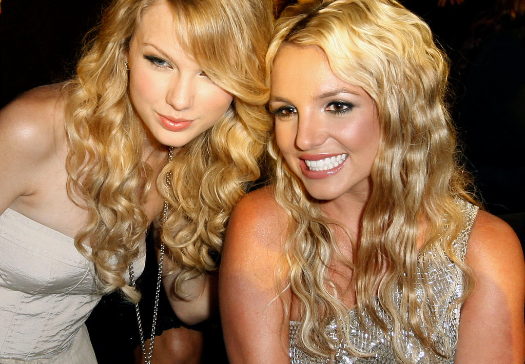 . Taylor Swift, left, poses with Britney Spears at the 2008 MTV Video Music Awards held at Paramount Pictures Studio Lot on Sunday, Sept. 7, 2008, in Los Angeles. (AP Photo/Matt Sayles)