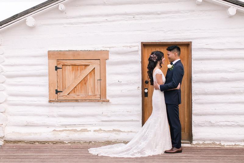 Bride_Groom_HuntHouse