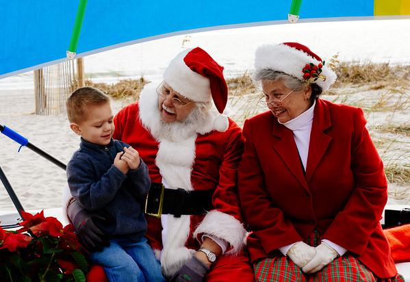 Santa at Damon's BBQ on the Beach 2016