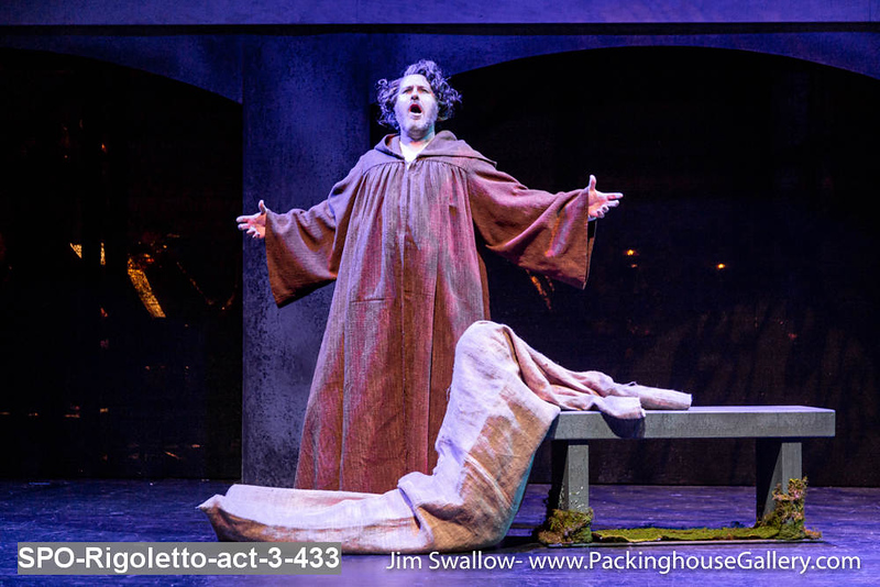 SPO-Rigoletto-act-3-433.jpg