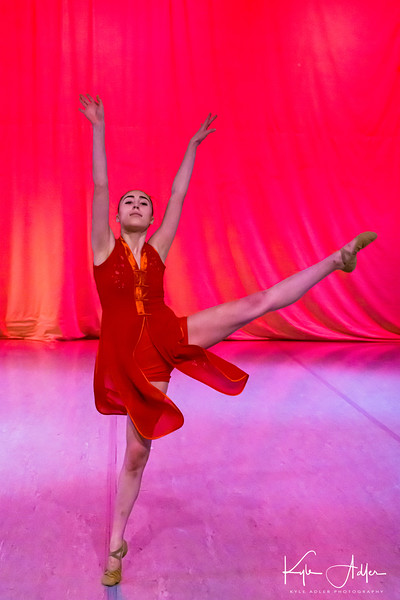 Zohar Menlowe Ballet