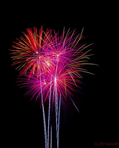 070417 Luray VA Downtown Fireworks - Rainbow Sea Urchin Bouquet-0903.jpg