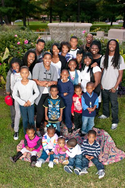 20110925-Peaches Family-6323.jpg