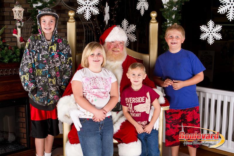 Santa Dec 8-307.jpg