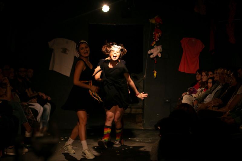 Allan Bravos - Fotografia de Teatro - Indac - Migraaaantes-128.jpg