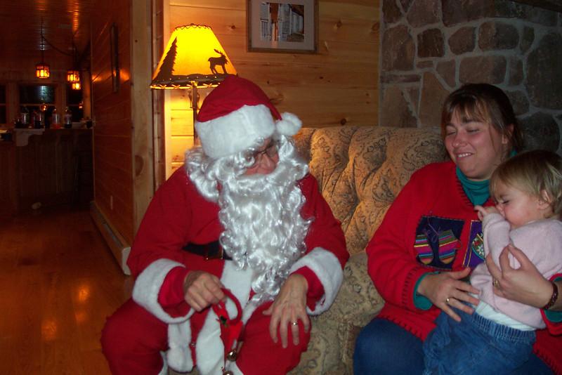 01 12 14 Santa visits Laurel Lake