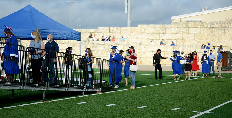 LHS-Graduation_008.jpg