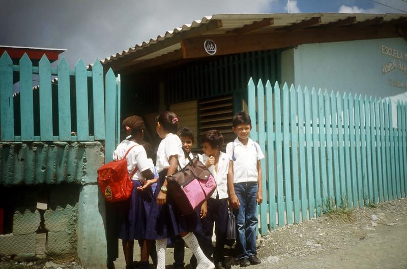 1989 Roatan Honduras Mission Trip-0001.jpg