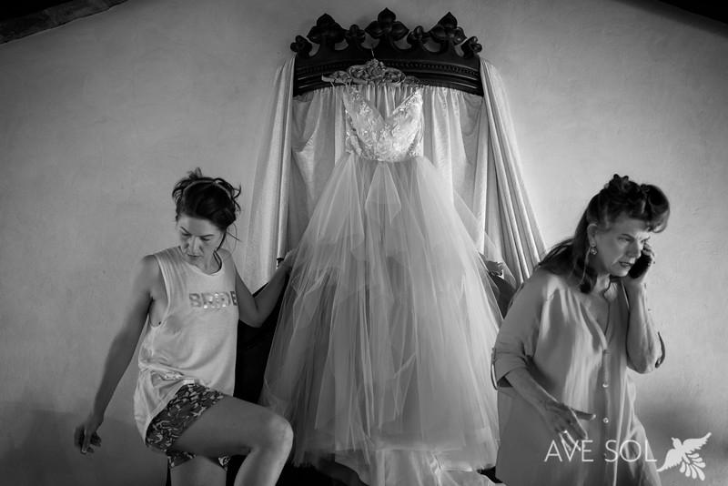 Amelie-Chris-1-GettingReady-10-Edit.jpg