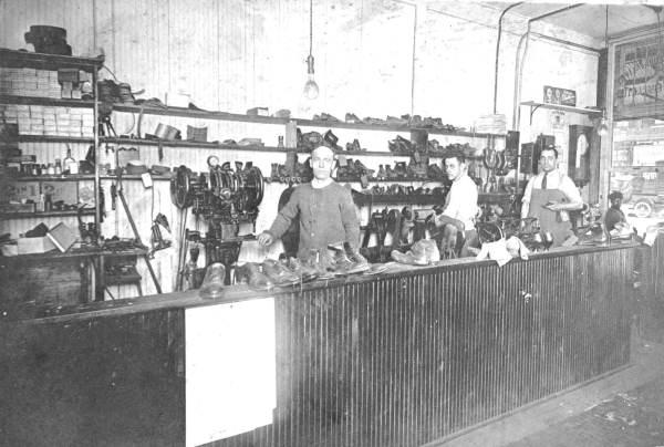 Standard Shoe Factory-1916.jpg