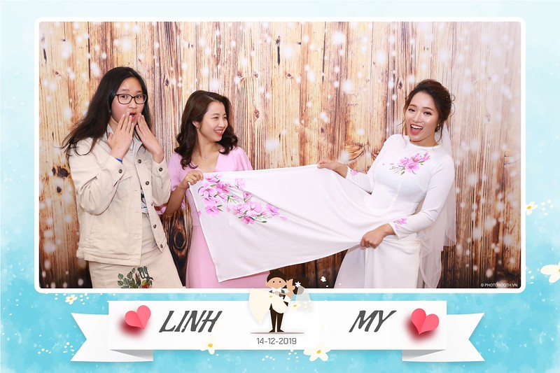 Linh-My-wedding-instant-print-photo-booth-in-Ha-Noi-Chup-anh-in-hnh-lay-ngay-Tiec-cuoi-tai-Ha-noi-WefieBox-photobooth-hanoi-143.jpg