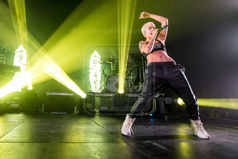 Halsey in Concert - Los Angeles