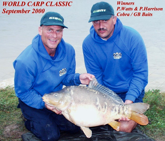 WCC00-winners-1 - Paul Harrison & Paul Watts with carp