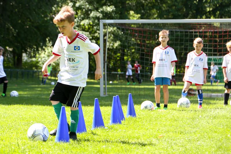 hsv_fussballschule-416_48048036562_o.jpg