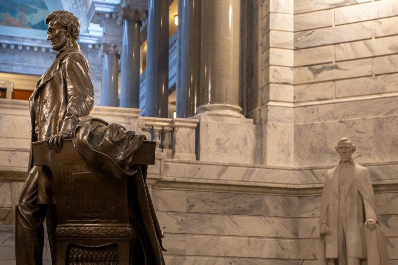 October 7 - President Abraham Lincoln towering over President Jefferson Davis, Kentucky State Capitol, Frankfort, Kentucky-1.jpg