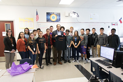 Congressmen Hurd Visits Eastlake High School