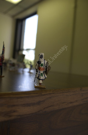 22117 LIBRARY TOY SOLDIERS AND TOY BALLROOM