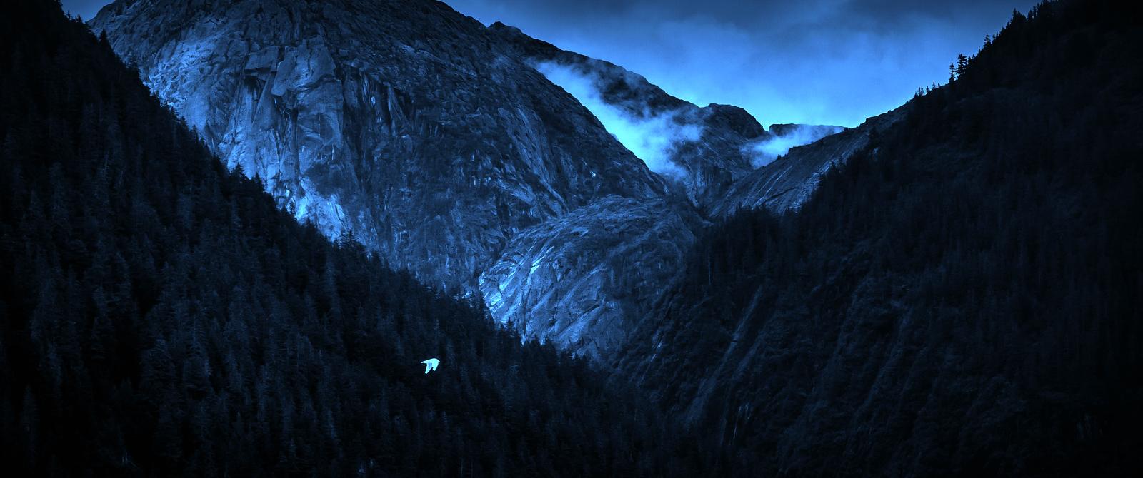 阿拉斯加,山峰若隐若现