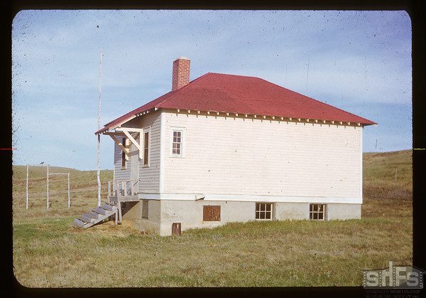 Black Hills School vacant since 1946.  Klintonel.  05/22/1951