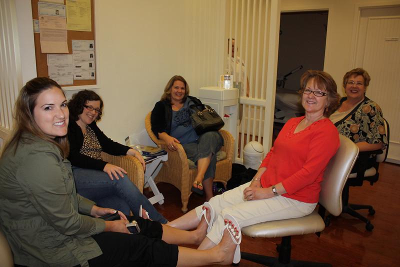 "Sara's ""Celebrate Pregnancy"" Spa Day with Alisa, Kristyn and Moms"