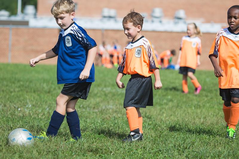 gabe fall soccer 2018 game 2-134.jpg