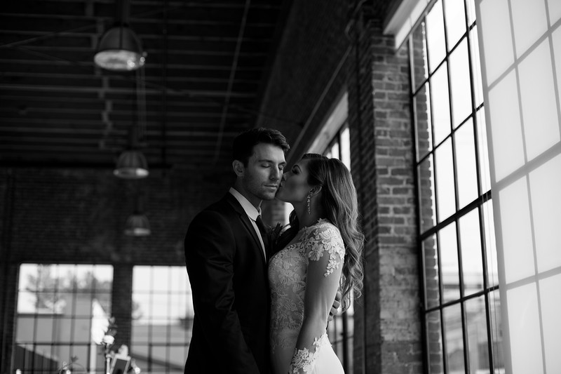 Kate&Josh_B&W_ZACH.WATHEN.PHOTOGRAPHER-301.jpg