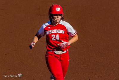 UW Sports - Softball - September 22, 2018