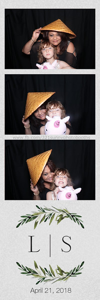 ELP0421 Lauren & Stephen wedding photobooth 59.jpg