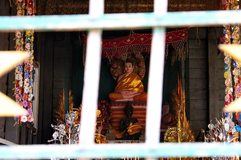 An image of worship at West Maebon