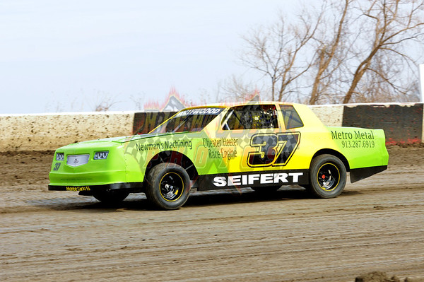 4-6-2014 USRA Factory Stocks Lakeside Speedway Night 2 Dan Parkison Photography