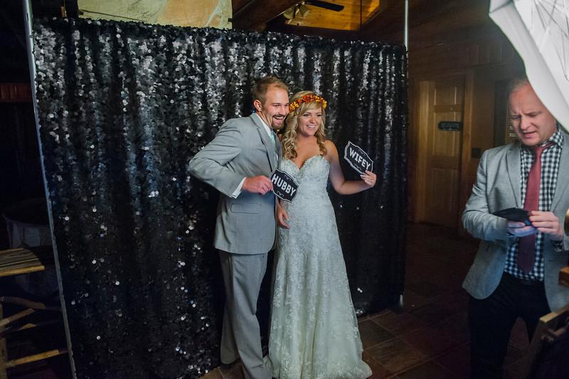 Jodi-petersen-wedding-586.jpg