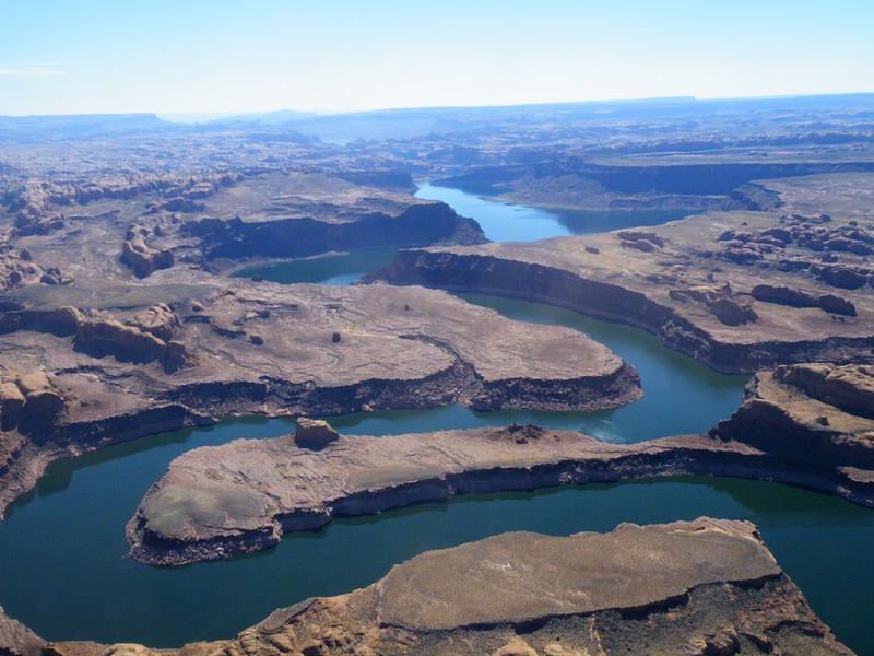 Lake Powell - Winding Canyons - KCOT.jpg