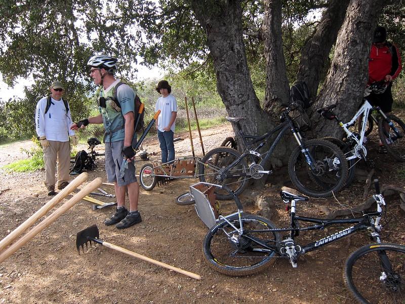 20100130077-Backbone Trail CORBA Trailwork.JPG