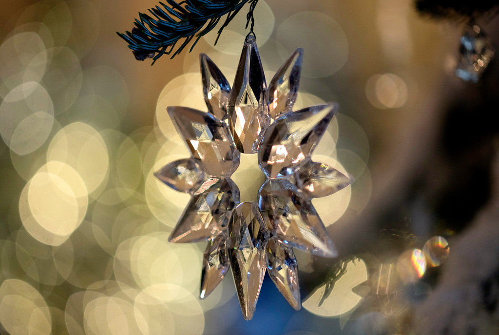 ". Tree ornaments in the Grand Foyer and Cross Hall are in ""The Nutcracker Suite\"" theme as seen during a media preview of the 2017 holiday decorations at the White House in Washington, Monday, Nov. 27, 2017. (AP Photo/Carolyn Kaster)"