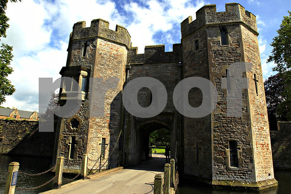 Castles: Ireland,Wales, England: Pack 2
