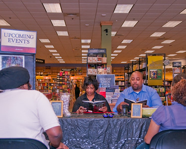 jus Temple Borders Book Signing 09/2010