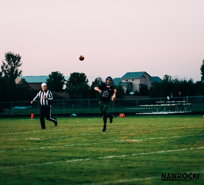 CNP_FOOTBALL_VS_DELANO-17.JPG
