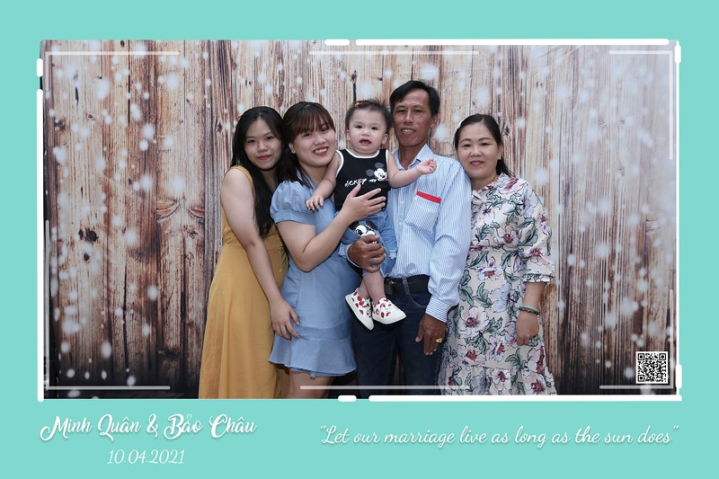QC-wedding-instant-print-photobooth-Chup-hinh-lay-lien-in-anh-lay-ngay-Tiec-cuoi-WefieBox-Photobooth-Vietnam-cho-thue-photo-booth-036.jpg