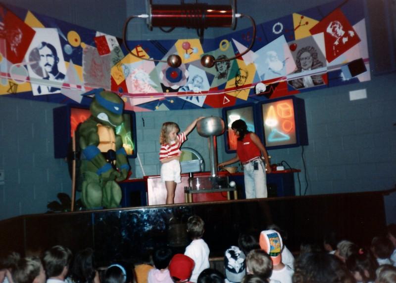 1989_Spring_Yankee_Stadium_Science_Center_0012_a.jpg