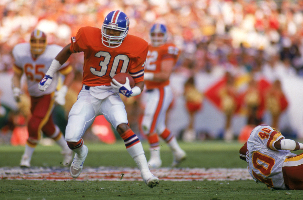 . Running back Steve Sewell #30 of the Denver Broncos runs in the open field during Super Bowl XXII against the Washington Redskins at the Jack Murphy Stadium on January 31, 1988 in San Diego, California.  The Redskins won 42-10.  (Photo by George Rose/Getty Images)