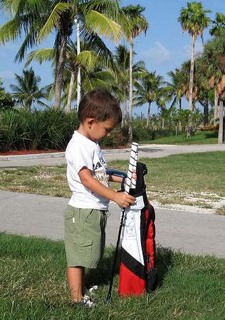 Tommy y su primer dia de Golf
