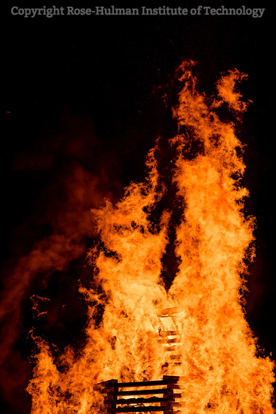 RHIT_Homecoming_2017_BONFIRE-12197.jpg