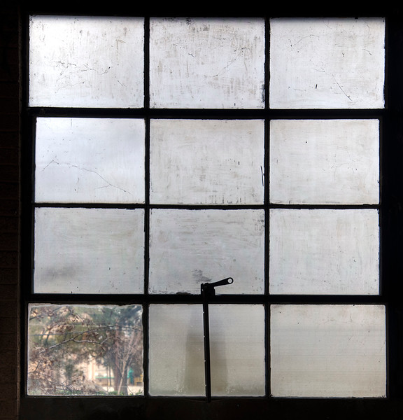 2009-02-14 window sheet metal shop.jpg