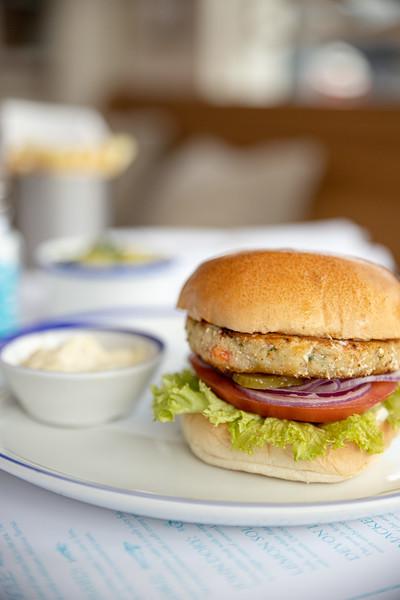 2019-07-02-Rockfish-monkfish-prawn-burger-007.jpg
