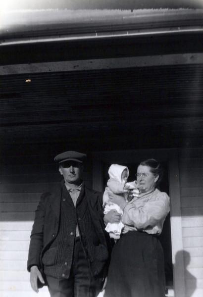 1920's Grandpa and Grandma Boadway with Irving.jpeg