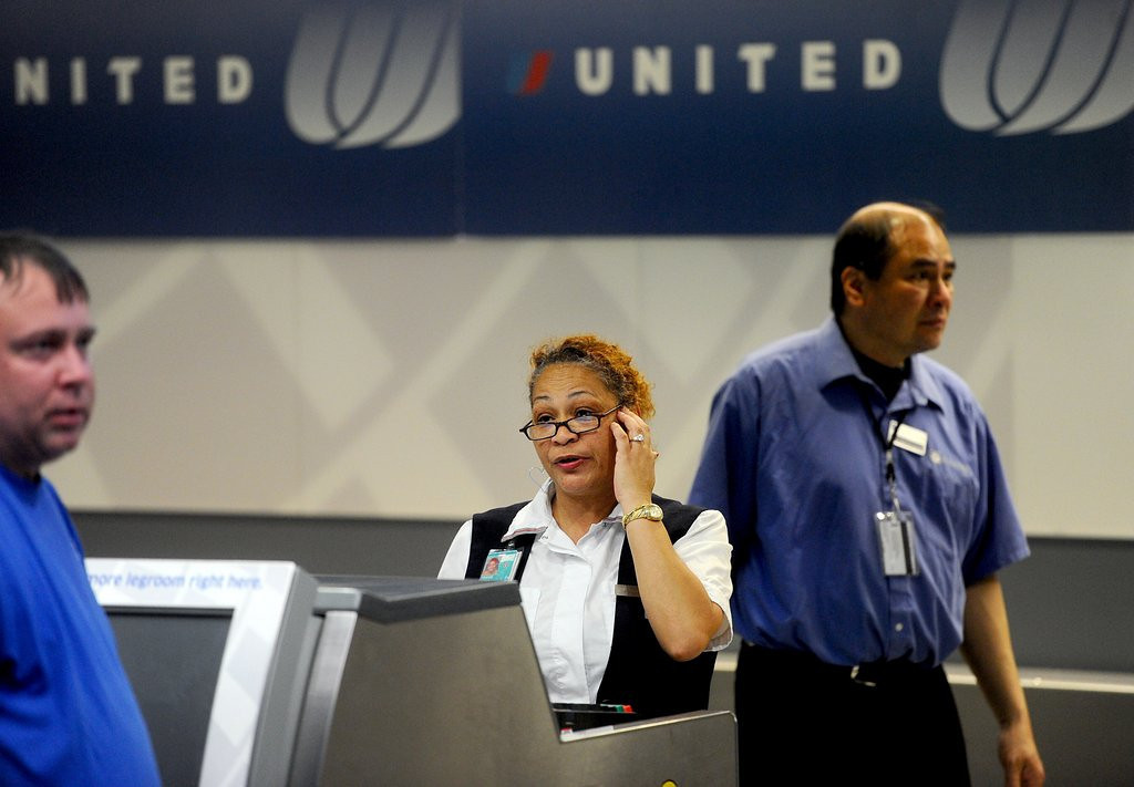 ". <p>10. (tie) UNITED AIRLINES <p>Gets you to your destination 10 percent faster than Greyhound, Amtrak or the Pony Express. (10) <p><b><a href=\'https://www.facebook.com/pages/United-Airlines-Sucks/216811830719\' target=""_blank\""> HUH?</a></b> <p>    (AP Photo/Noah Berger, File)"